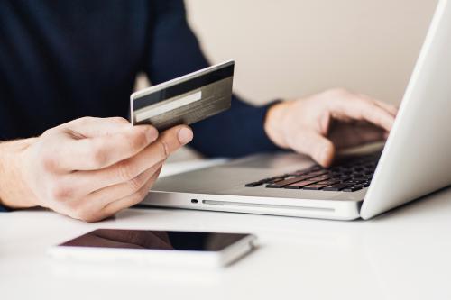 Các sản phẩm thời trang và mỹ phẩm trên robins.vn sẽ được giảm 20% giá trị hoá đơn khi thanh toán bằng thẻ Napas.
