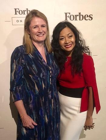 Bà Jackie Horne - nhà báo của tờ FinanceAsia cùng Trần Uyên Phương - Phó Giám đốc Tân Hiệp Phát tại sự kiện ra mắt sách diễn ra vào tháng 9 tại Forbes, Mỹ.