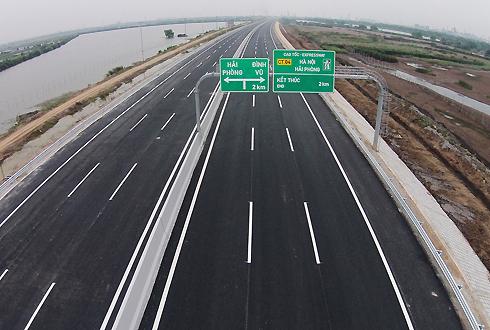 Cao tốc Hà Nội - Hải Phòng giúp giảm tải lưu lượng phương tiện cho quốc lộ 5. Ảnh: Giang Huy.