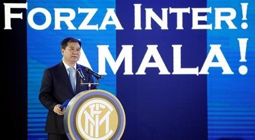 Zhang Jindong, Chủ tịch hãng bán lẻ đồ điện tử Suning Holdings Group. Ảnh: Reuters