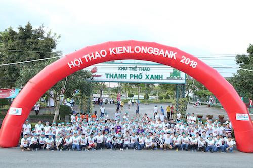 Toàn thể CBNV, CTV Kienlongbank hào hứng tham gia cuộc thi chạy bộ Kienlongbank Fun Run