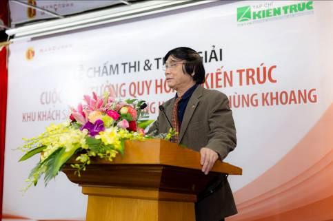 Kiến trúc sư Trần Ngọc Chính, Chủ tịch Hội Quy hoạch và phát triển đô thị Việt Nam phát biểu trong chung kết cuộc thi ý tưởng thiết kế khu khách sạn 5 sao và tòa nhà cao tầng HH1 Phùng Khoang diễn ra vào 23/10 tại Hà Nội.