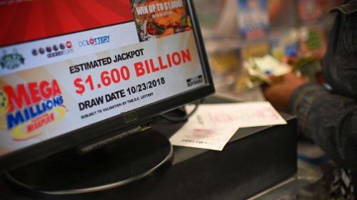 Một quầy bán vé số tại Mỹ dịp giải Mega Millions đạt trị giá 1,6 tỷ USD vừa qua. Ảnh: AFP