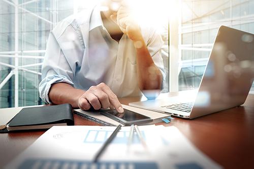 Ngân hàng tăng đầu tư cho dịch vụ, tiện ích công nghệ - 1