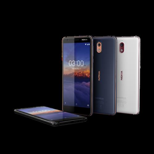 Nokia 3.1 hiện có ba phiên bản màu là Xanh/Đồng, Đen/Crôm và Trắng/Bạc.