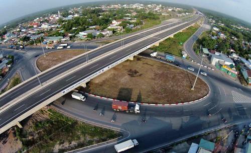 Đường cao tốc TPHCM - Long Thành - Dầu Giây giúp kết nối nhanh chóng Central Mall với trung tâm TPHCM