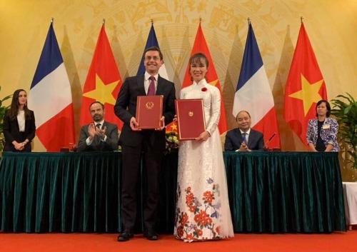 Tổng giám đốc Vietjet bà Nguyễn Thị Phương Thảo và ông Philippe Couteaux, Phó chủ tịch phụ trách Thương mại và Thị trường của tập đoàn CFM International