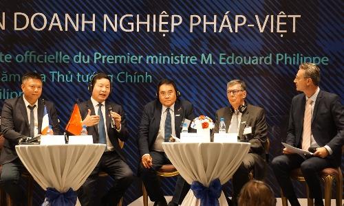 Ông Trương Gia Bình - Chủ tịch Tập đoàn FPT phát biểu tại Diễn đàn. Ảnh: Viễn Thông