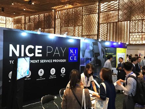 Ngày 7, 8/11 vừa qua, tại trung tâm hội nghị triển lãm GEM Center, thành phố Hồ Chí Minh đã diễn ra sự kiện Seamless Việt Nam 2018 với 4 chủ đề chính: thương mại điện tử, Fintech, thanh toán và bán lẻ.