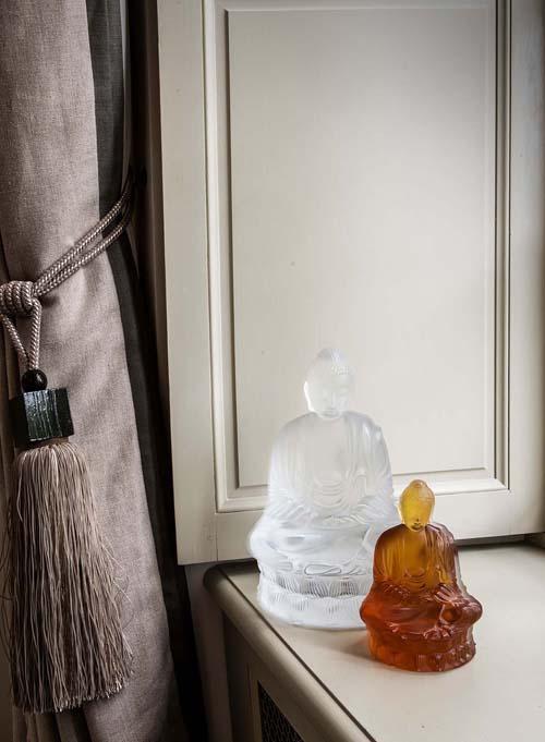 Sau cửa hàng ở TP HCM, Lalique vừa khai trương thêm điểm trưng bày và bán hàng mới tại địa chỉ số 61 Tràng Tiền, Hoàn Kiếm, Hà Nội qua nhà phân phối độc quyền - Công ty TNHH Quốc tế Tam Sơn,nhằm phục vụ nhu cầu sử dụng sản phẩm trang trí nội thất cao cấp ngày càng cao của người tiêu dùng Việt Nam.