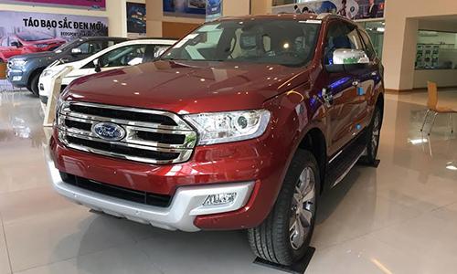 Xe Ford Everest nhập khẩu Thái Lan tại một đại lý ở Hà Nội. Ảnh: PV