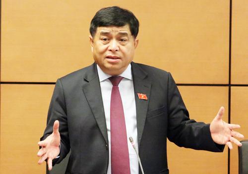 Bộ trưởng Kế hoạch & Đầu tư Nguyễn Chí Dũng tại phiên thảo luận ở tổ sáng 12/11. Ảnh: Võ Hải
