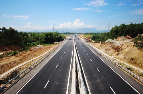Tuyến cao tốc Đà Nẵng  Quảng Ngãi có vốn đầu tư 34.000 tỷ đồng được đưa vào khai thác từ tháng 9/2018. Ảnh: Đắc Thành.