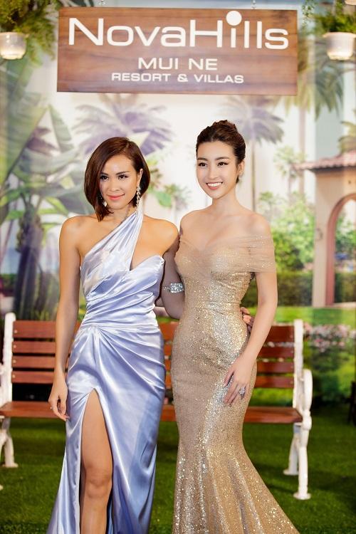 Hoa hậu Đỗ Mỹ Linh góp mặt trong sự kiện để giới thiệu dự án nghỉ dưỡng NovaHills Mũi Né Ressort & Villas. Tại đây, cô có dịp hội ngộ cùng siêu mẫu Phương Mai - người dẫn dắt chương trình.