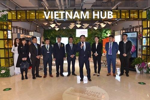 Ông Vincent Trương - Chủ tịch kiêm Tổng giám đốc Sunny Word Corp phát biểu khai mạc sự kiện khánh thành gian hàng xúc tiến thương mại Vietnam Hub.