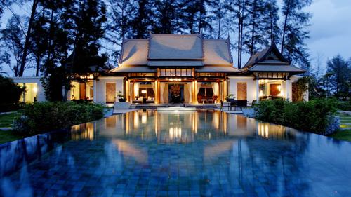 ập đoàn Banyan Tree đã làm nên danh tiếng từ việc ra đời khu nghỉ dưỡng đầu tiên tại Phuket, Thái Lan gần 30 năm trước.