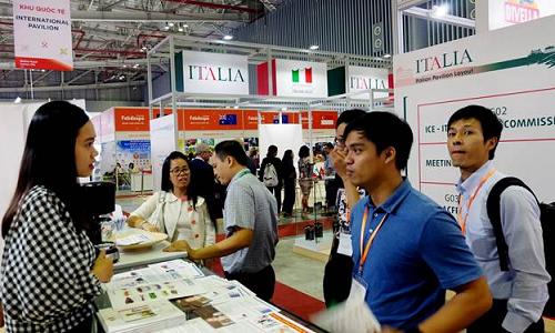 Gian hàng Quốc gia Ý tại Vietnam FoodExpo 2018 thu hút sự quan tâm của doanh nghiệp Việt Nam và khách tham quan