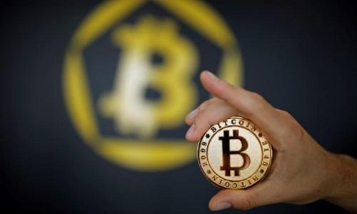 Đồng tiền mô phỏng tiền ảo Bitcoin. Ảnh: Reuters