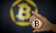 Bitcoin xuống thấp nhất từ đầu năm