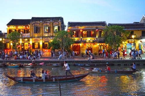 Hội An là một trong 15 thành phố hấp dẫn nhất thế giới năm 2018 (theo bình chọn của độc giả Travel and Leisure)