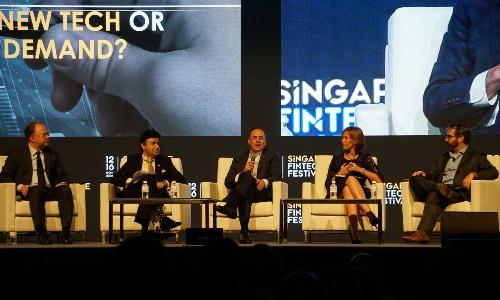Các chuyên gia của Mastercard, ICICI Bank, Circle Internet Financial, Monex Group trong một phiên thảo luận tại Singapore Fintech Festival 2018. Ảnh: Viễn Thông