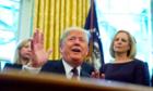 Trump: 'Mỹ có thể không áp thêm thuế với hàng Trung Quốc'