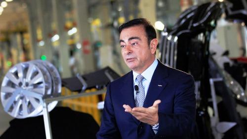 Ông Carlos Ghosn tại một nhà máy của Nissan ở Mexico năm 2013. Ảnh: Nikkei
