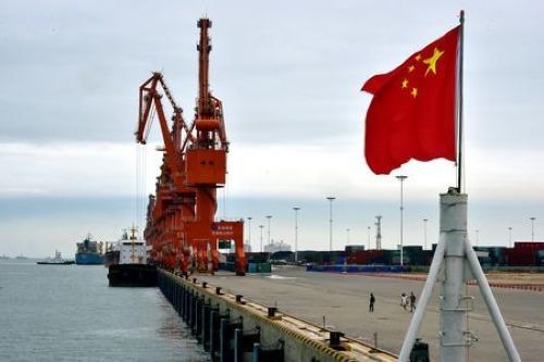Một cảng biển ở Quảng Tây (Trung Quốc). Ảnh: Reuters