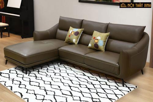 Thiết kế kiểu dáng gọn gàng của bộ sofa góc bằng chất liệu da này phù hợp với những gia chủ thích phong cách đơn giản, nhẹ nhàng.