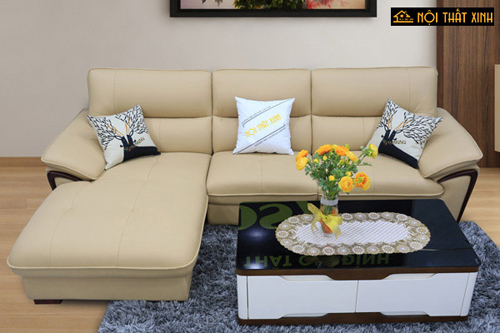 Các sản phẩm sofa phối gỗ tinh tế, form dáng gọn gàng được nhiều gia đình lựa chọn.