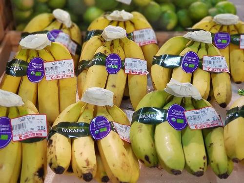 Chuối hữu cơ bán tại siêu thị trong nước. Ảnh: MD