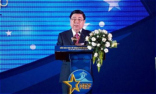 Chủ tịch UBND TP HCM Nguyễn Thành Phong phát biểu khai mạc Diễn đàn Kinh tế TP HCM 2018. Ảnh: Viễn Thông
