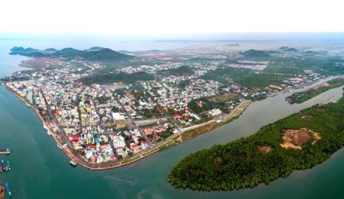 Toàn cảnh thành phố Hà Tiên.
