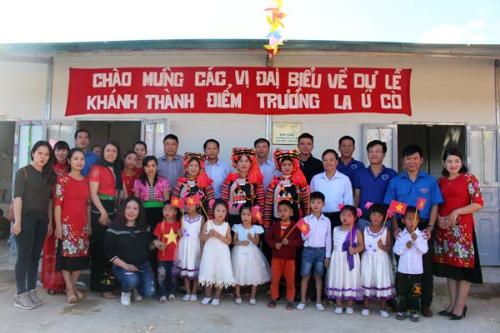 Tân Á Đại Thành tặng 5 bồn nước cho trường mầm non ở Lai Châu