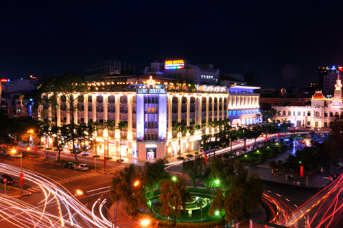 Rex Hotel Saigon tọa lạc tại số 141 đại lộ Nguyễn Huệ, TP HCM. Hình ảnh chụp năm 2012