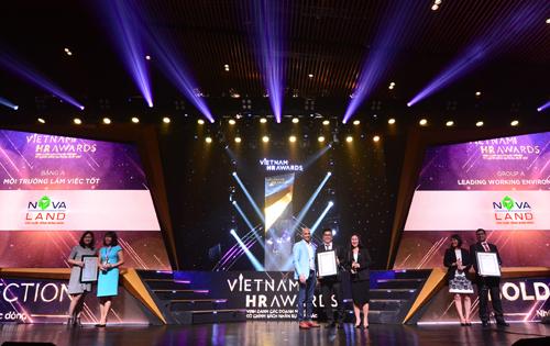 Ngày 27/11/2018, tại lễ trao giải Việt Nam HR Awards 2018, Tập đoàn Novaland lần thứ 2 được vinh danh ở 02 hạng mục giải thưởng quan trọng: Môi trường làm việc tốt và Chính sách lương thưởng và phúc lợi hiệu quả.