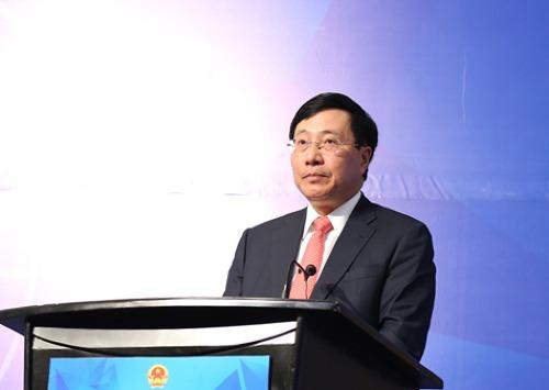 Phó Thủ tướng, Bộ trưởng Ngoại giao Phạm Bình Minh tại hội nghị sáng nay. Ảnh: VGP