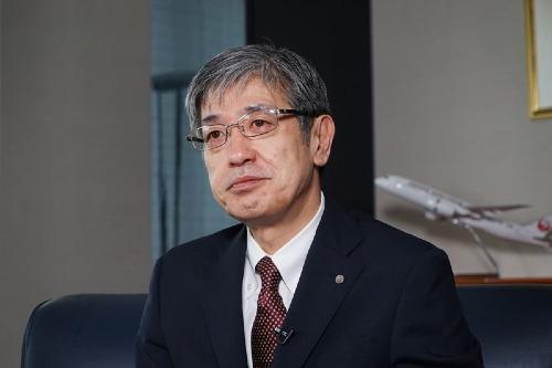 Giám đốc hãng hàng không Japan Airlines - Yuji Akasaka. Ảnh: Bloomberg
