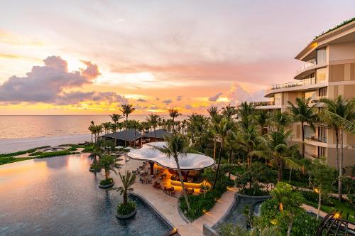 InterContinental Phu Quoc Long Beach Resort có nhiều tiện ích hạng sang dành cho khách nghỉ dưỡng.