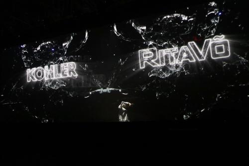 Hành trình phát triển của RitaVõ được dẫn dắt qua các tiết mục nghệ thuật.