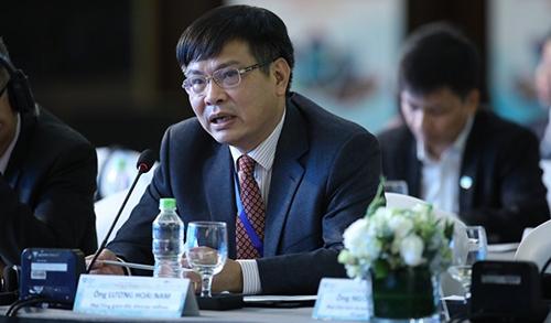 Ông Lương Hoài Nam, Phó tổng giám đốc Vietstar Airlines tại Diễn đàn ngày 5/12. Ảnh: Ngọc Thành