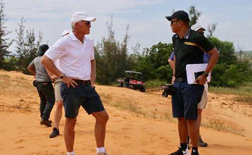 Ông Greg Norman khảo sát thực tế cho sân gôn sắp triển khai tại Phan Thiết