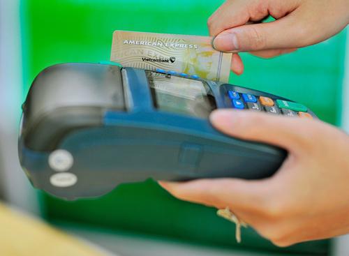 Ngân hàng tăng tính bảo mật cho các chủ thẻ ghi nợ quốc tế.