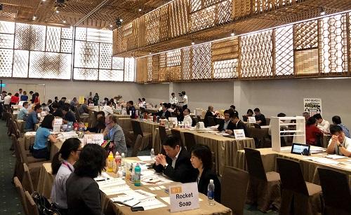 Nhiều phiên đàm phán, thảo luận diễn ra tại sự kiện, giá trị hợp đồng thành công là hàng chục tỷ đồng.