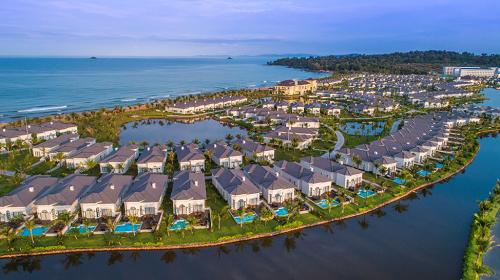 Bất động sản ven biển Việt Nam đang đón nhận tiềm năng tăng trưởng mạnh mẽ.