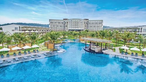 Sol Beach House Phú Quốc Resort với phong cách Địa Trung Hải đặc trưng là sự kết hợp thành công giữa MIKGroup và Meliã Hotels International