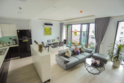 Để mục sở thị căn hộ tương lai tại One 18, khách hàng có thể tham quan căn hộ mẫu tại tầng 4 dự án.