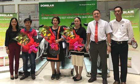 Xi măng Đồng Lâm trao thưởng xe Honda SH 150cc cho khách hàng