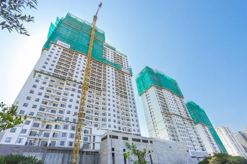 Dự án đã đi đến những giai đoạn hoàn thiện cuối cùng để bàn giao căn hộ về tay khách hàng. Hotline: 0901 839 666. Website: https://nghemoigioi.vn/portfolio/kosmo-tay-ho/