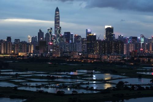 Một góc thành phố Thâm Quyến (Trung Quốc). Ảnh: Bloomberg